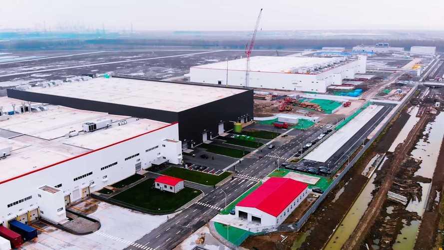 Tesla Model 3, la produzione in Cina ritarda a causa del Coronavirus