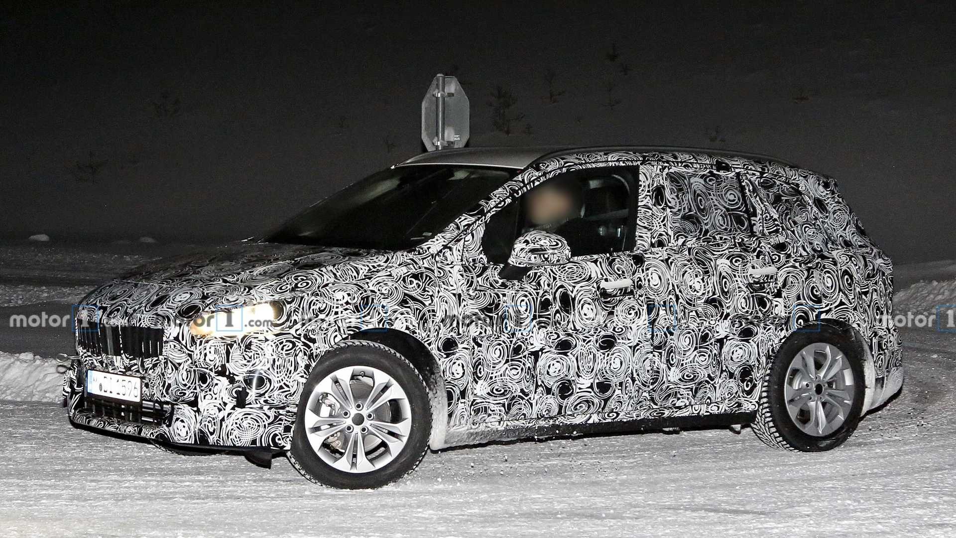 2021 - [BMW] Série 2 Active Tourer II - Page 2 Bmw-2-series-active-tourer-spy-photo