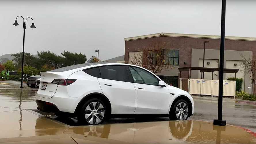 Közel végleges állapotban tesztelt Tesla Model Y-t videóztak Kaliforniában