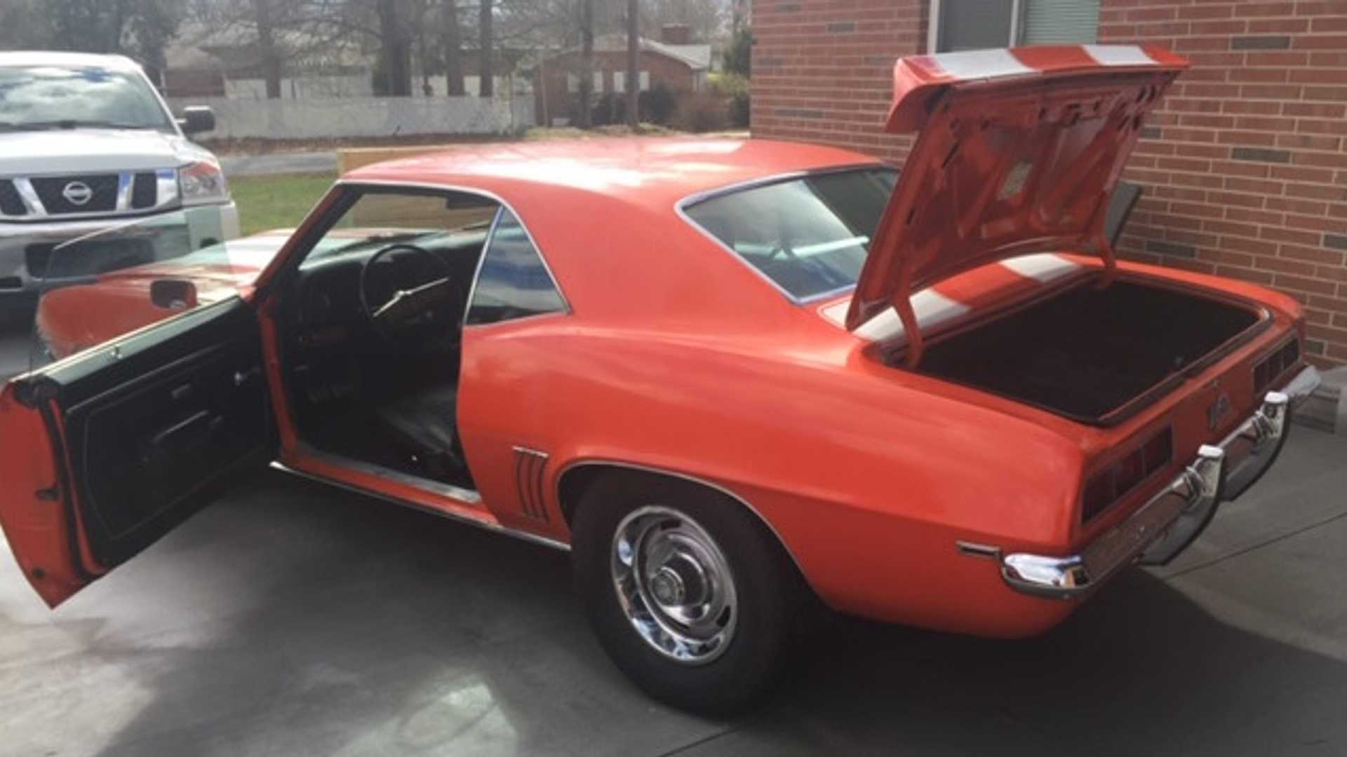 "[""Unrestored 1969 Chevy Camaro Z28 Up For Grabs""]"
