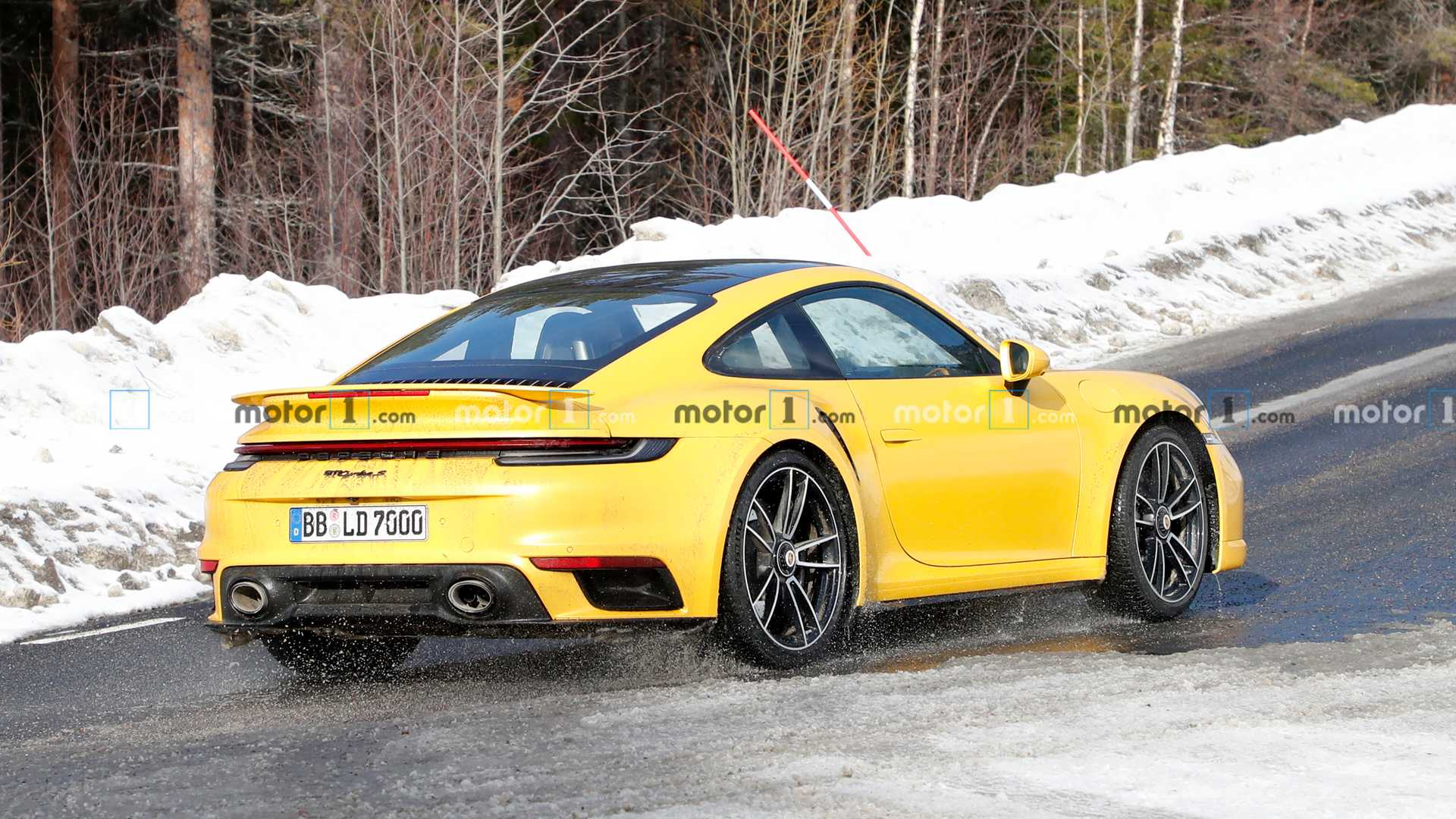 Porsche 911 Turbo S captured While Testing