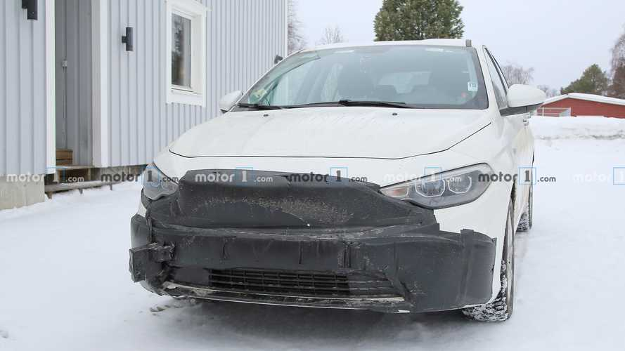 Fiat Tipo facelift spy photos
