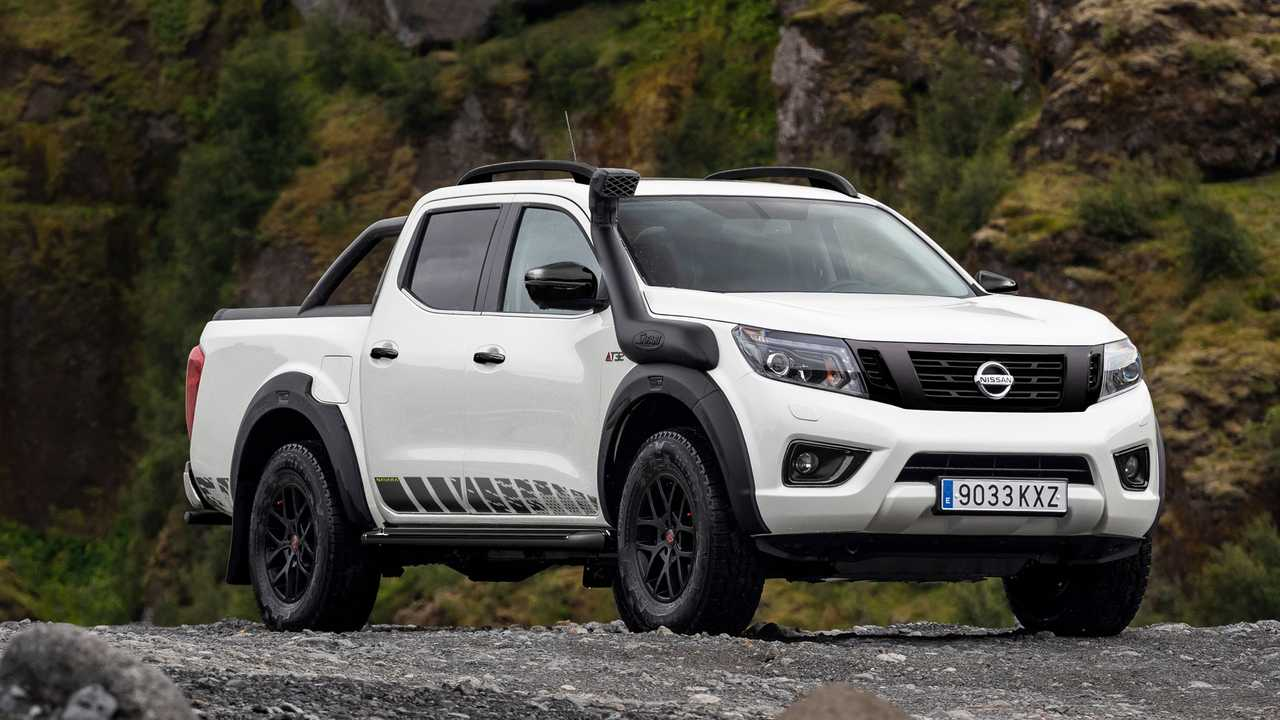 Nissan Navara OFF ROADER AT32