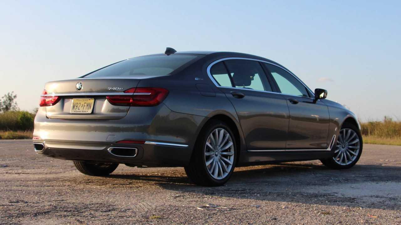 13. 2018 BMW 740e xDrive iPerformance
