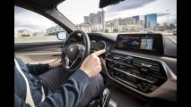 La guida autonoma BMW al CES 2017