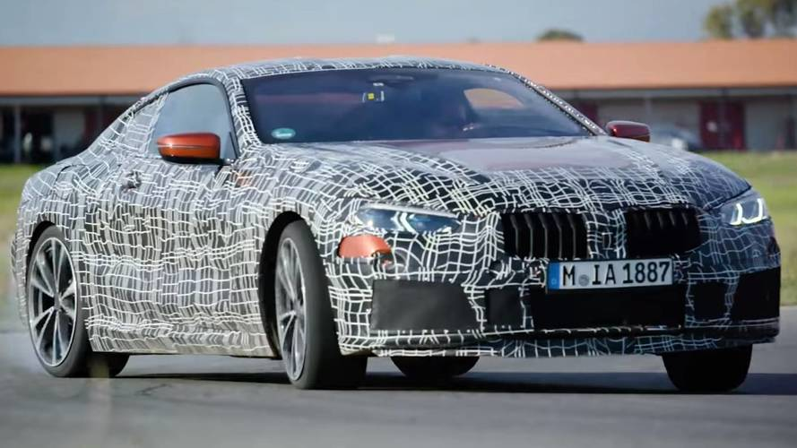 La BMW Série 8 s'échauffe sur le circuit d'Aprilia