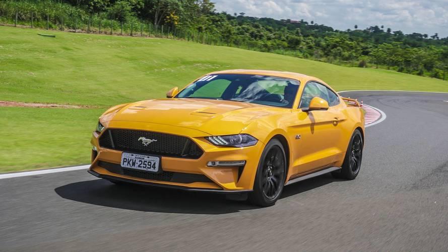 Vídeo Avaliação Ford Mustang GT - Antes tarde do que nunca!