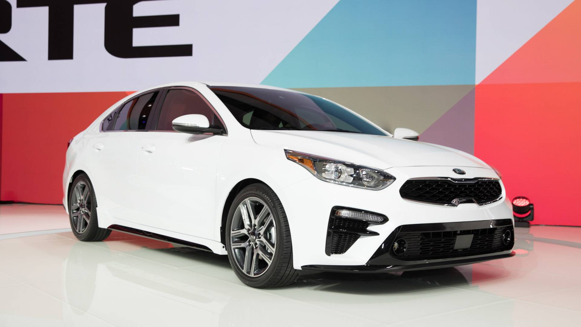 Kia Reveals 2019 Forte With Stinger Tinged Design
