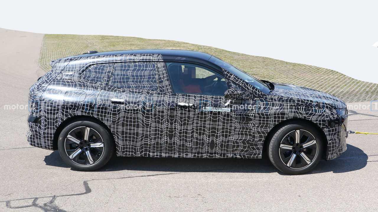 BMW iNext/i5 Spy Foto Profilo