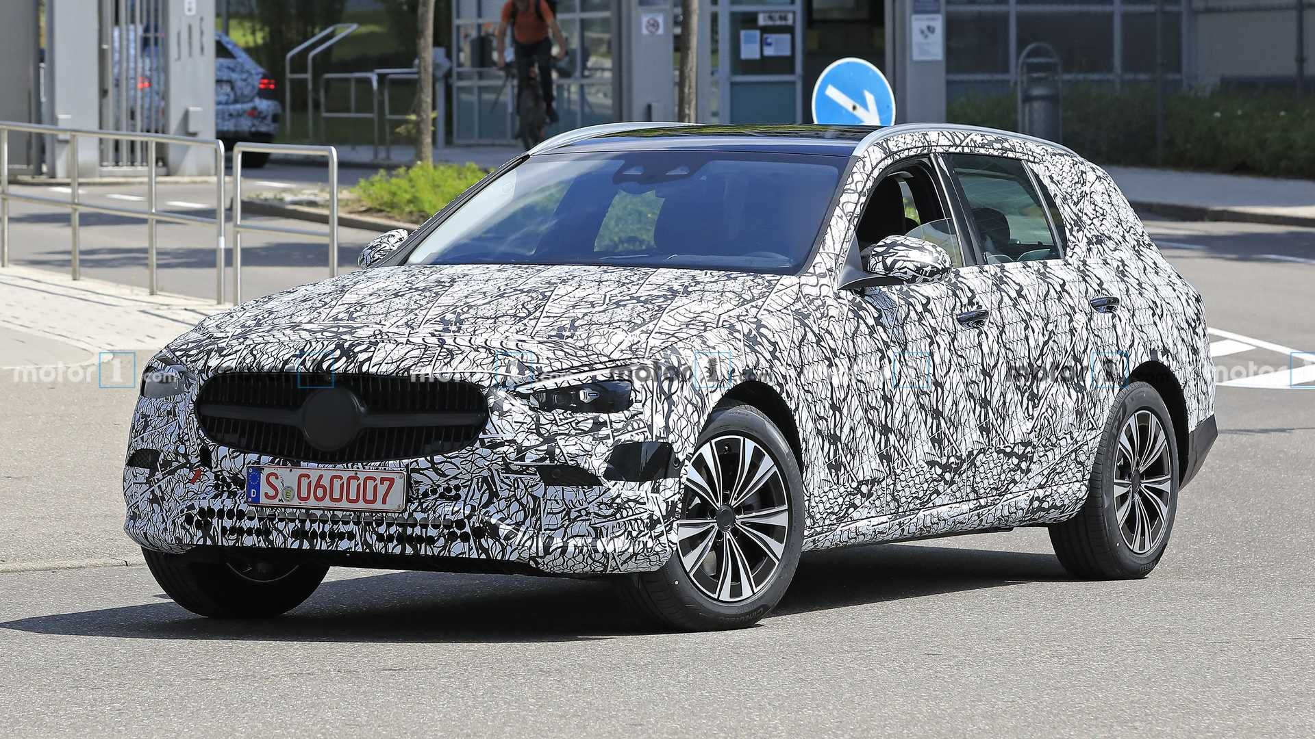 2021-mercedes-c-class-estate-spy-photo-t