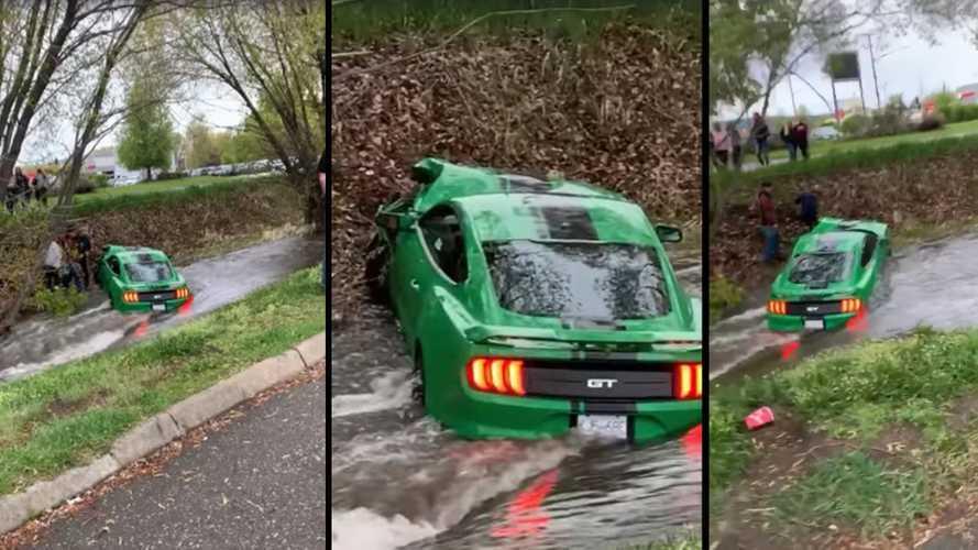 Három nap után küldte a patakba Mustang GT-jét egy kanadai sofőr