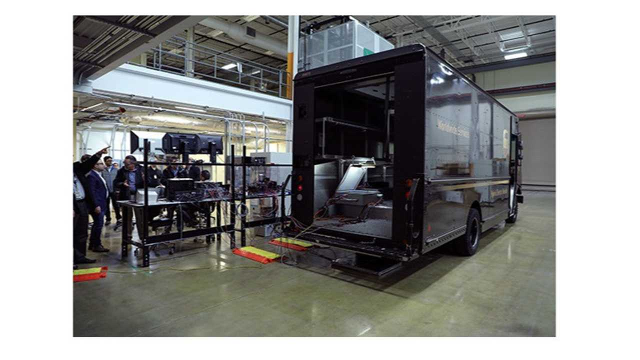 ORNL demonstrates bi-directional wireless charging on hybrid UPS truck