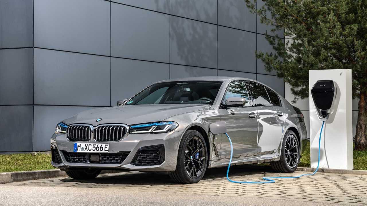 BMW 545e xDrive (ab November 2020)