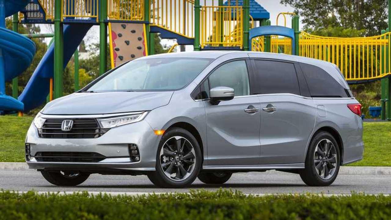 2021 Honda Odyssey Exterior Front Quarter