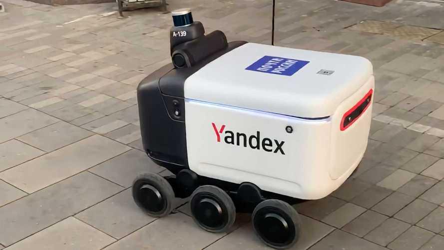 Роботы Яндекса записались на службу в «Почту России»