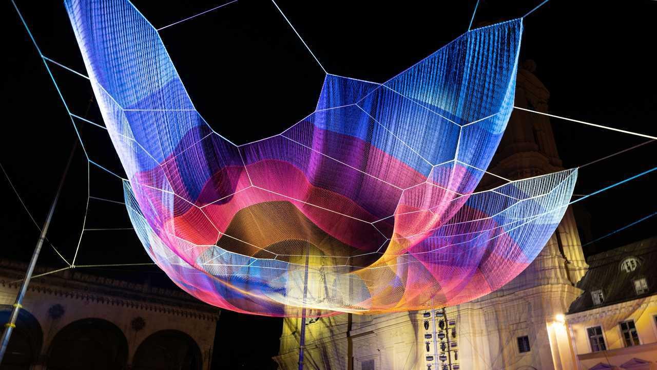 Mercedes-gesponsertes Kunstwerk Earthtime 1.26 Munich