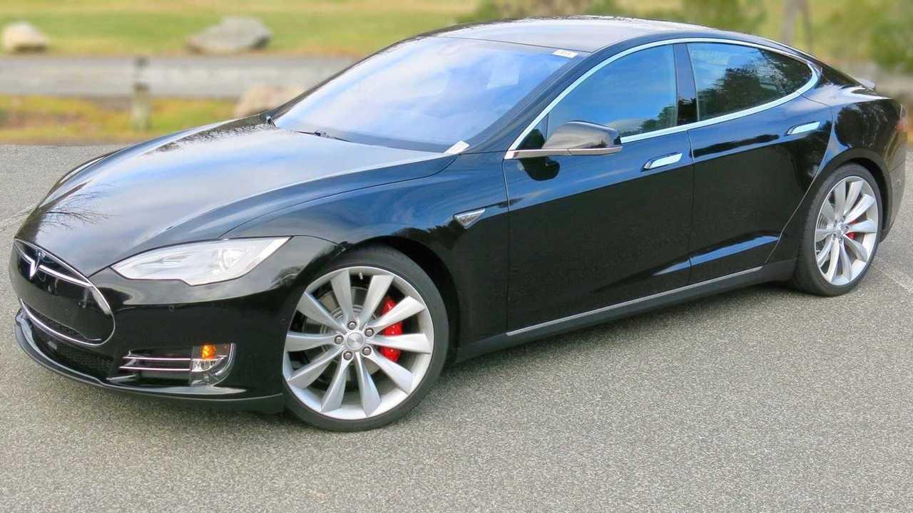 2014 Tesla Model S motor failure from rain