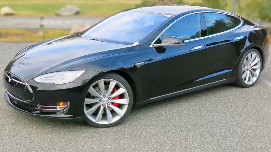 Beware: Older Tesla Model S Motor Might Fail If Driven In Rain