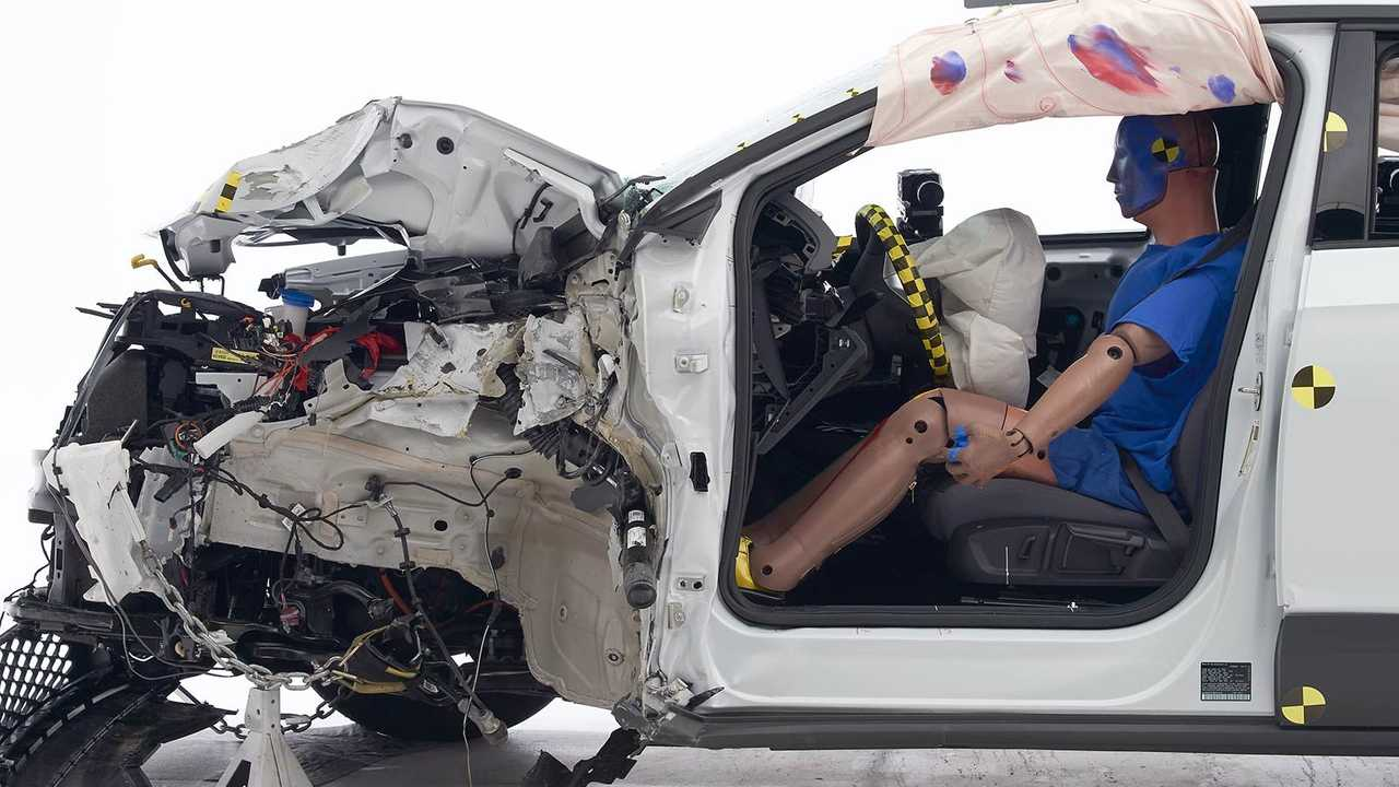 2021 Volkswagen ID.4 IIHS Crash Test: Driver-side small overlap