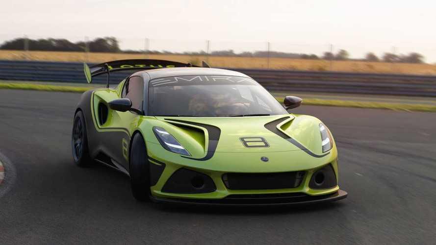 Меньше веса – больше крыльев: вышел гоночный Lotus Emira GT4