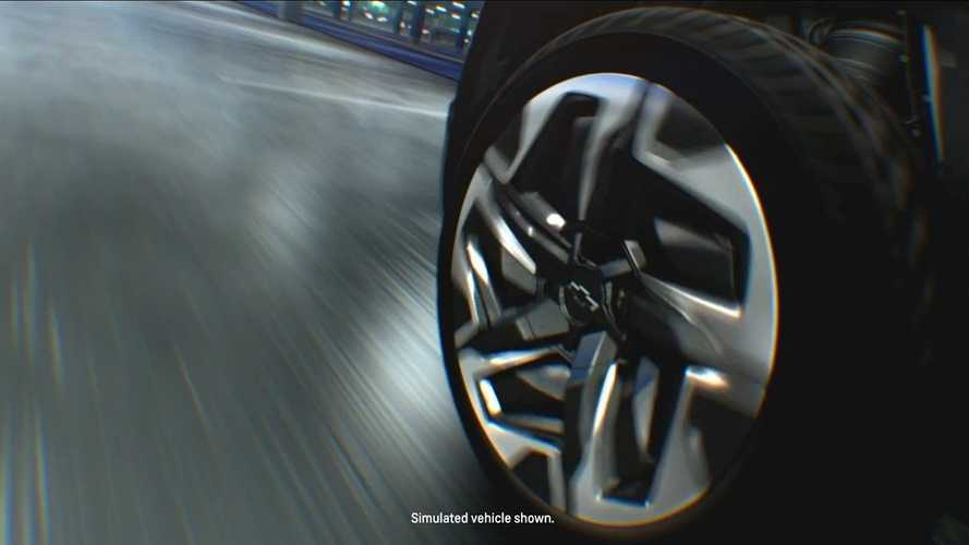 Chevrolet Silverado EV, le immagini delle 4 ruote sterzanti