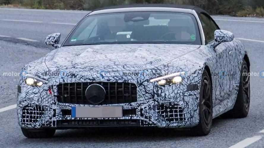 Шпионские фото гибридного Mercedes-AMG SL