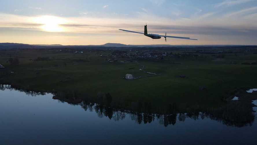 Il drone a pannelli solari con 600 km di autonomia è realtà