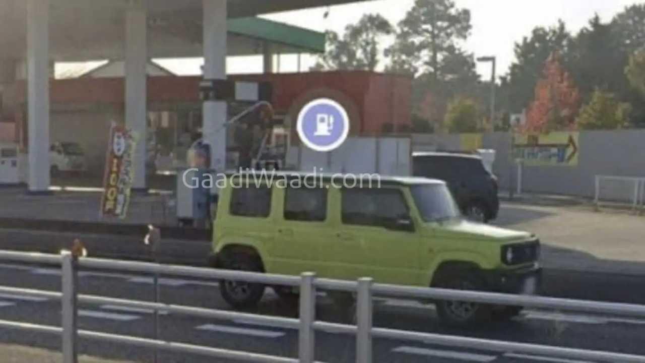 Suzuki Jimny 4 portas - flagra