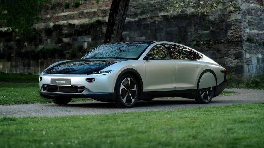 Pioggia di fondi per l'auto fotovoltaica Lightyear One: è pronta!