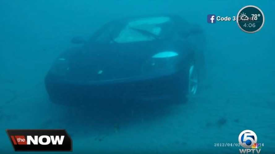 Ferrari 360 Modena sous l'eau