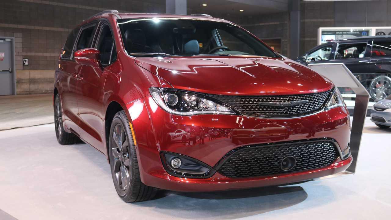 Chrysler Pacifica 35th Anniversary CAS