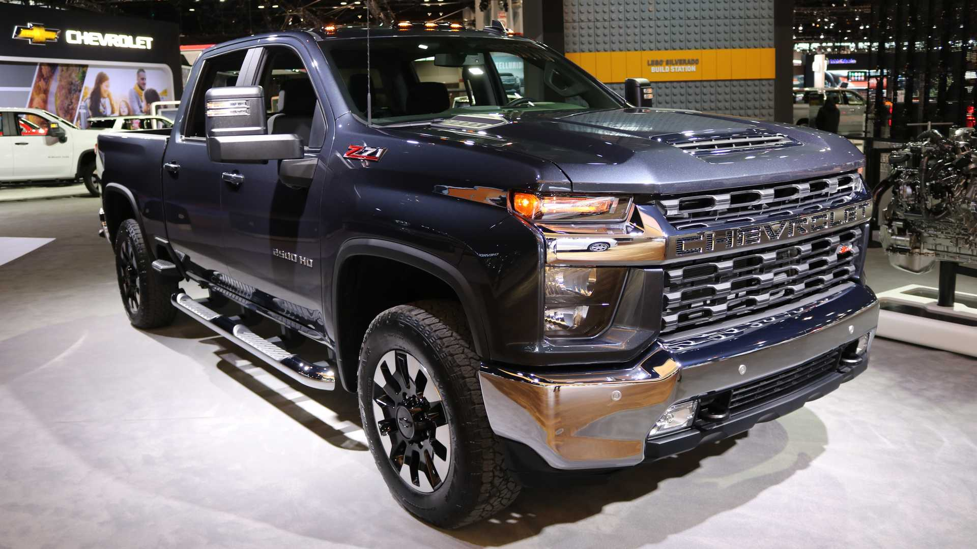 2020 Chevrolet Silverado Hd Has New V8 Can Tow 35 500 Pounds