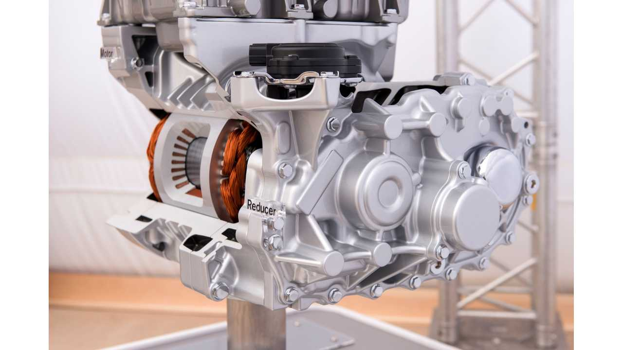 Local Sourcing of US Materials for Nissan LEAF Drives Costs Down (w/video)