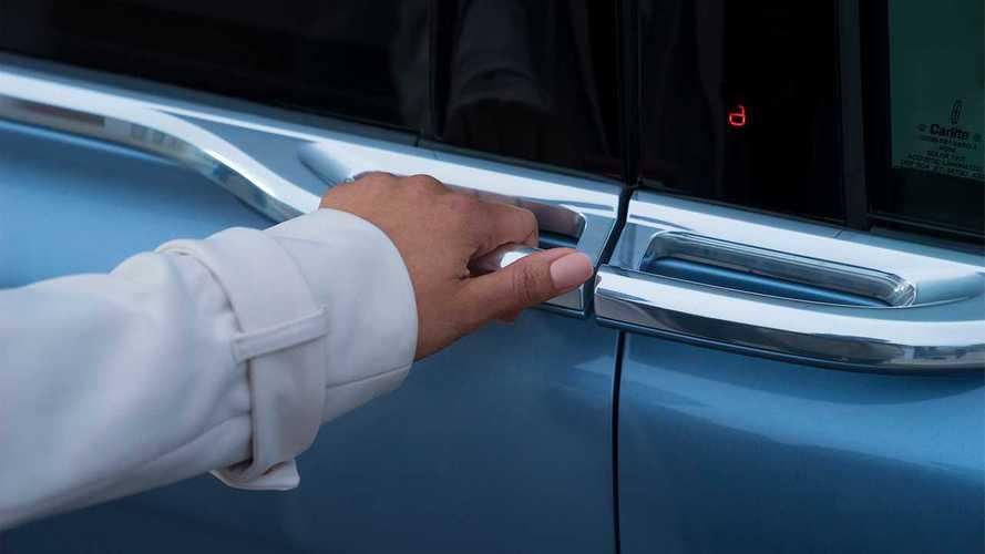 ¡Mucho cuidado con el truco de la lata!: te pueden robar el coche