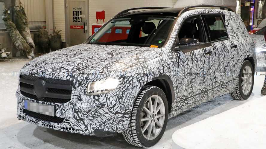 2020 Mercedes GLB new spy photos