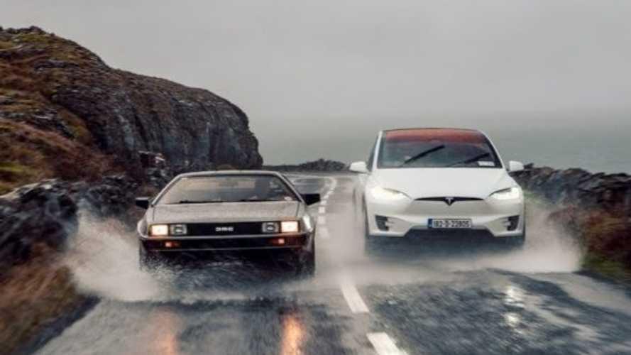 Geleceğin araçları: Tesla Model X ve DeLorean DMC-12 karşı karşıya