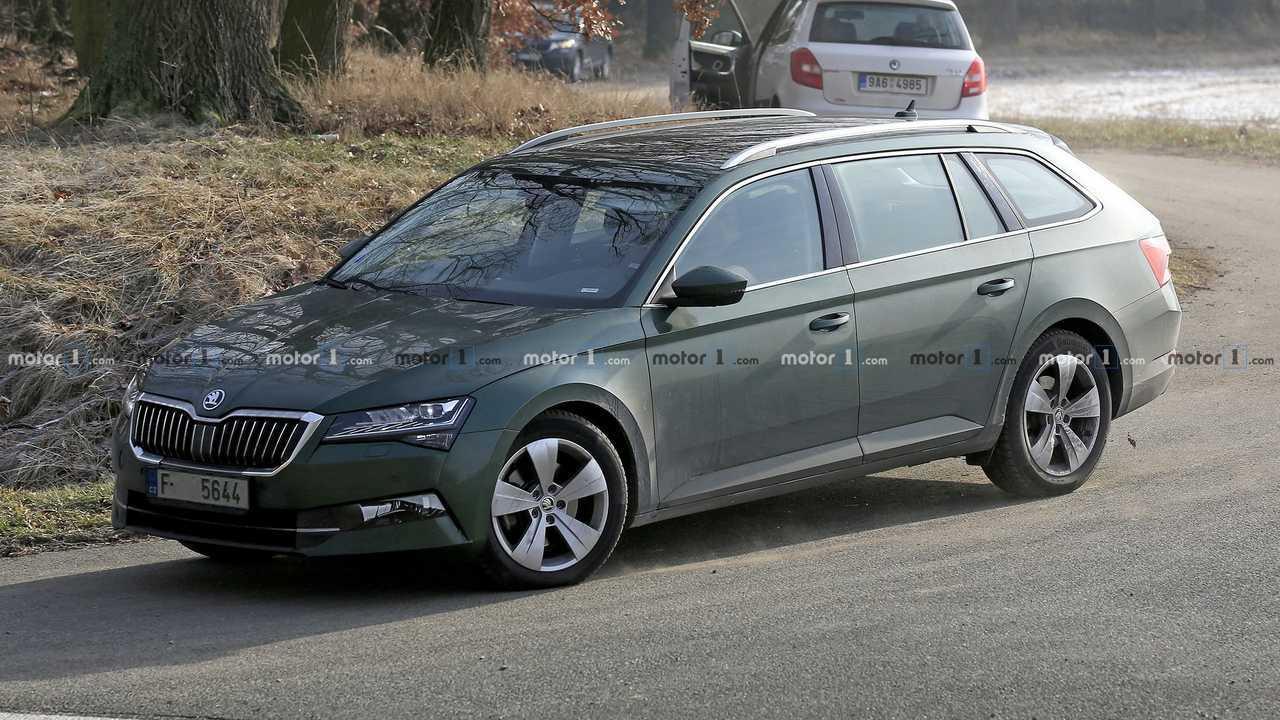 2019 Skoda Superb Facelift Caught Up Close In 30 Spy Shots