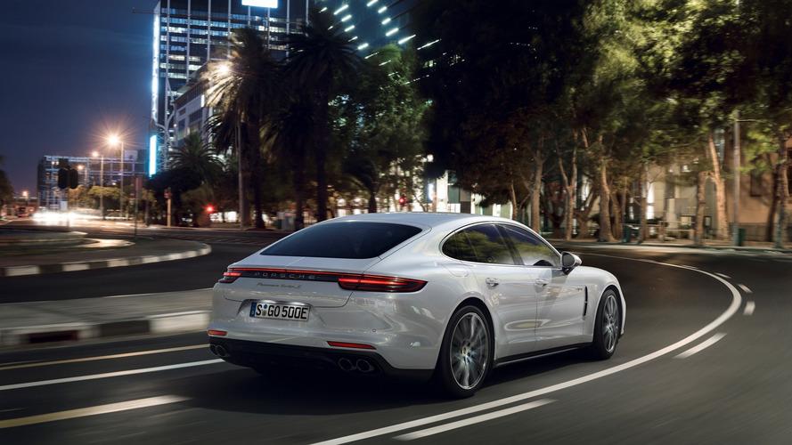 Porsche: A hibrid modellek csak és kizárólag automata váltóval érkezhetnek