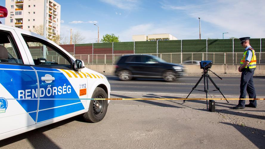 Lakott területeken belülre viszi mobil traffipaxait a rendőrség