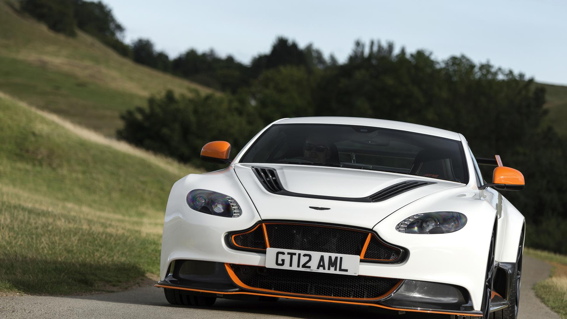 Noticias E Avaliacoes Da Aston Martin Vantage Gt12 Motor1 Com