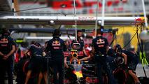 Daniil Kvyat, Red Bull Racing RB12 in the pits