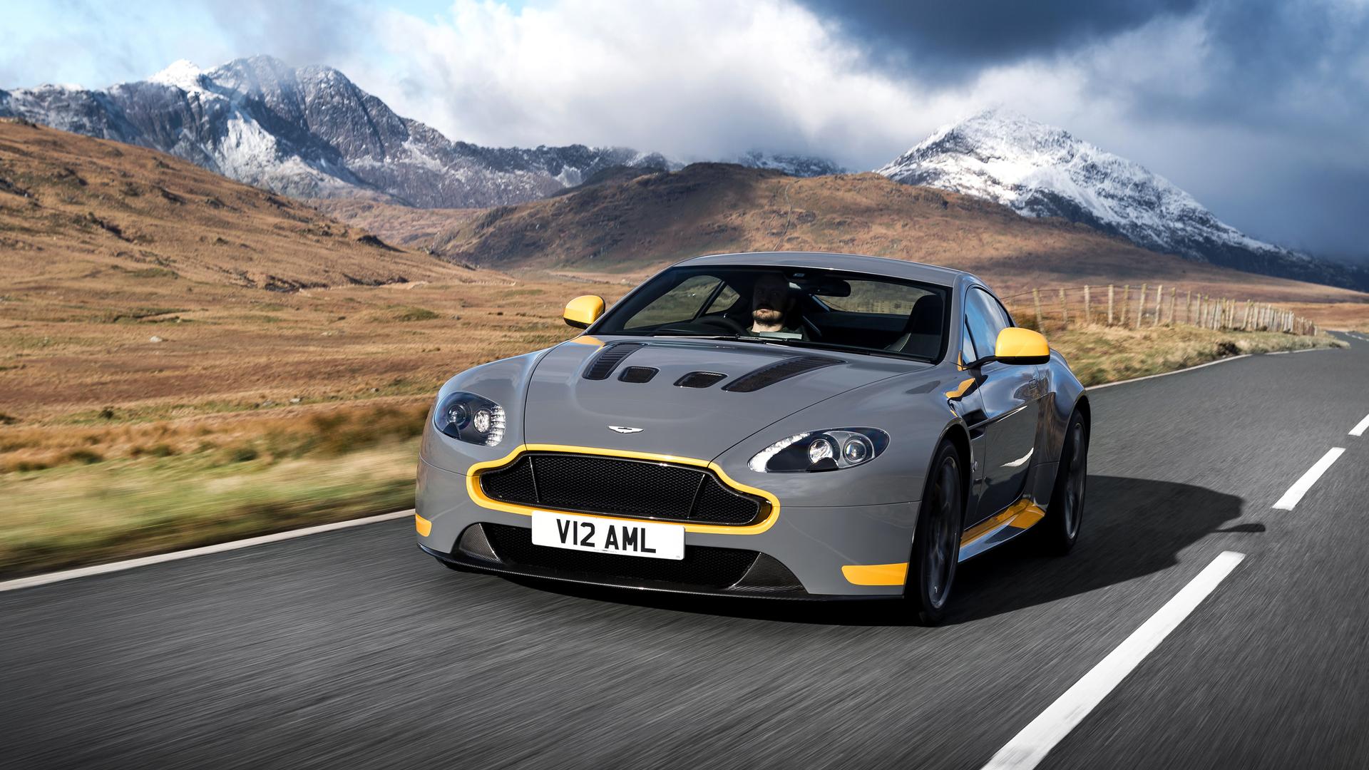 Purists Rejoice 2017 Aston Martin V12 Vantage S Gets Manual Box