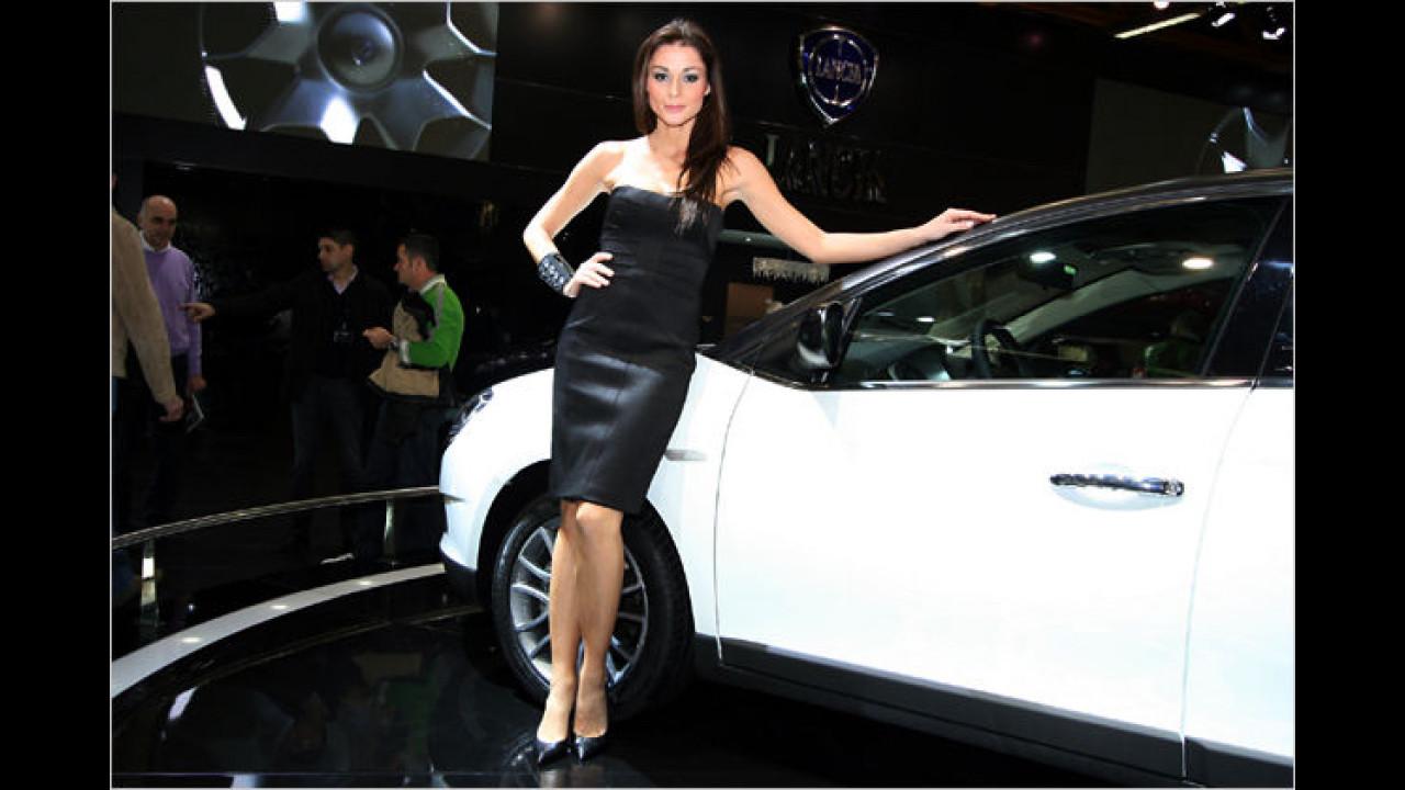 Italien ist ein schönes Land ... mit schönen Autos und schönen Menschinnen