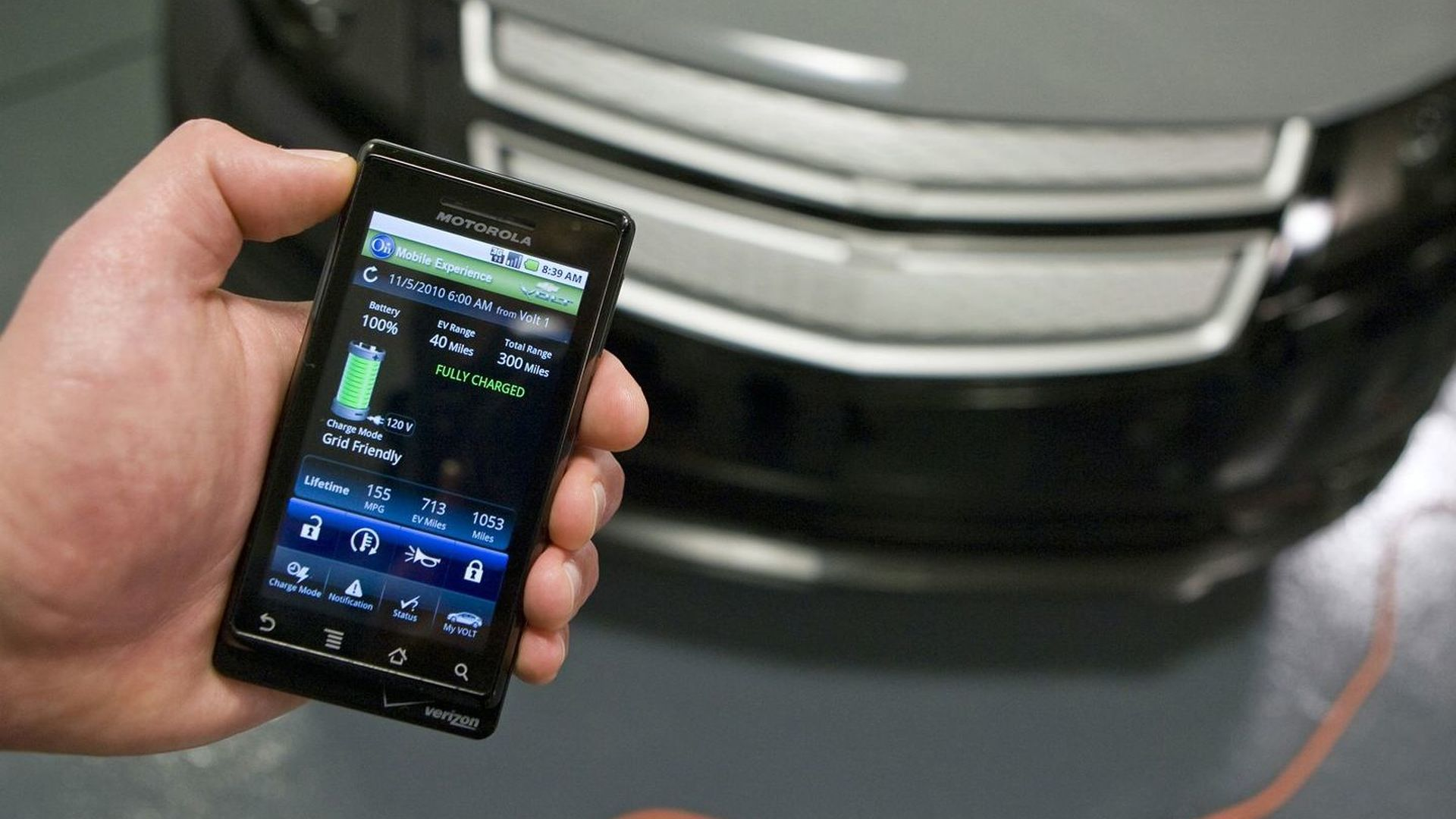 Onstar Mobile App >> Smartphone App Gives Owners 24 7 Connection To New Chevrolet Volt