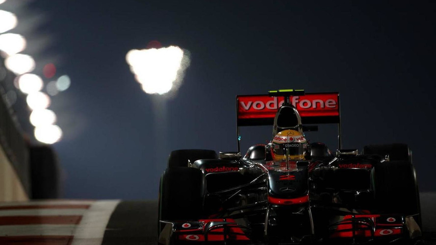 Hamilton's pace gives Alonso title boost in Abu Dhabi