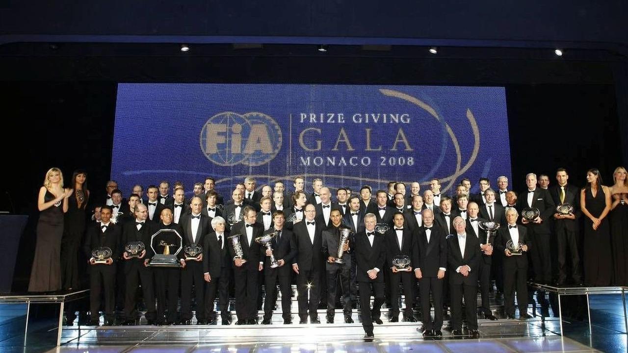 2009-189425-fia-trophy-winners-group-200