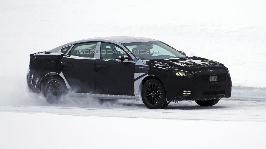 2016 Kia Optima returns in new spy photos