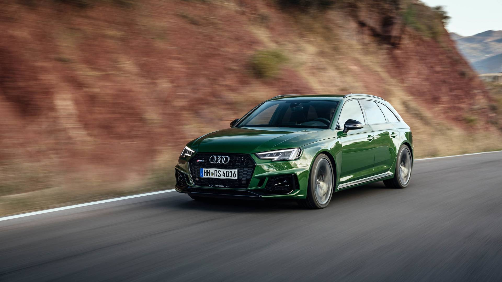 Curious To Find Out How Much Power Audi RS4 Avant Actually Has?