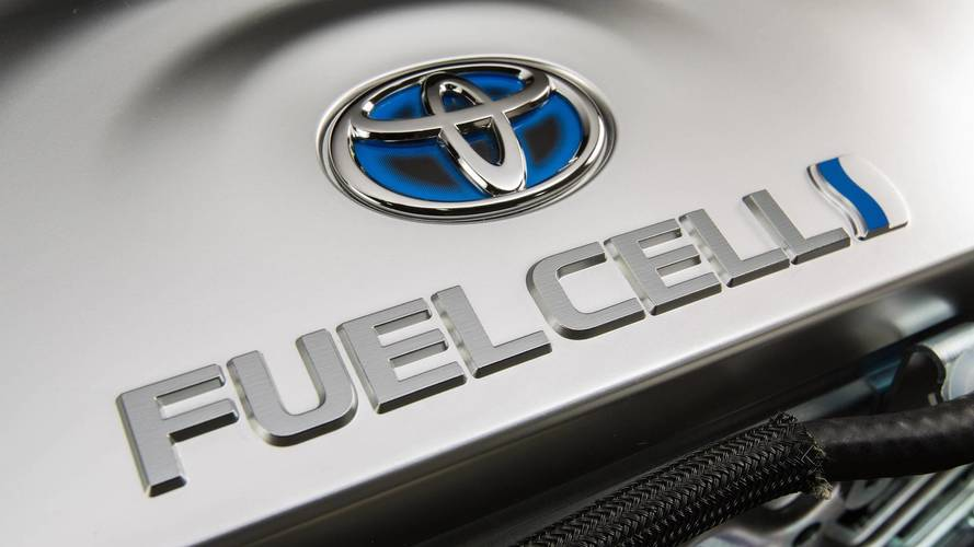 Toyota predicts 30,000 annual hydrogen car sales in 2020