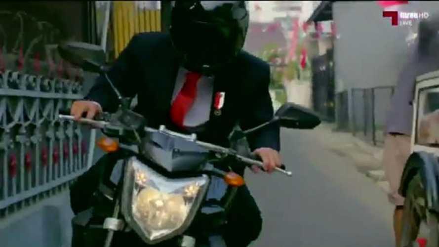 Indonesia: il presidente vola… In moto [VIDEO]